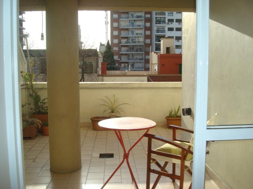 Dueño muy lindo 2 ambientes en 3º piso frente con terraza