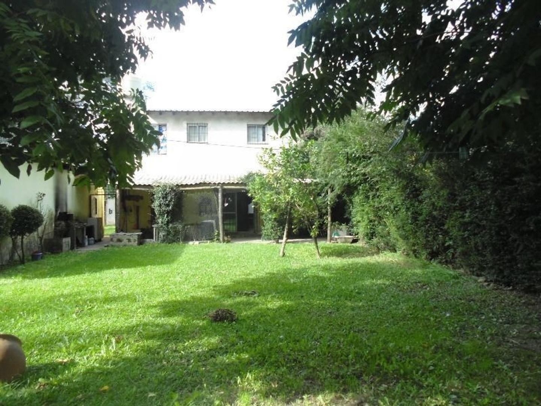 Casa con taller en Maschwitz, Lambaré