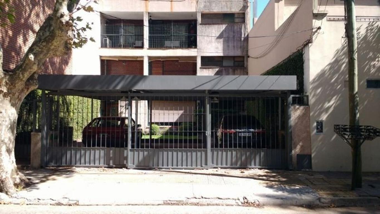 EXCELENTE PISO 4 AMBIENTES 2 COCHERAS CON TERRAZA PROPIA
