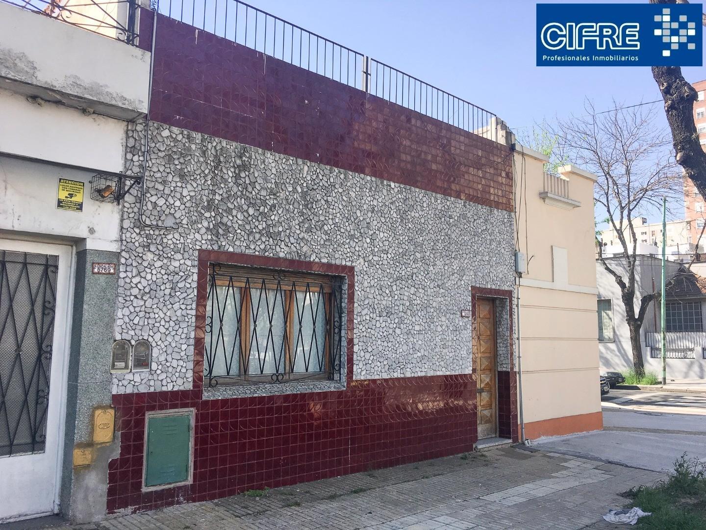 Casa lote propio 3 ambientes 2 patios terraza todo la superficie Sucursal Urquiza 4521-3333