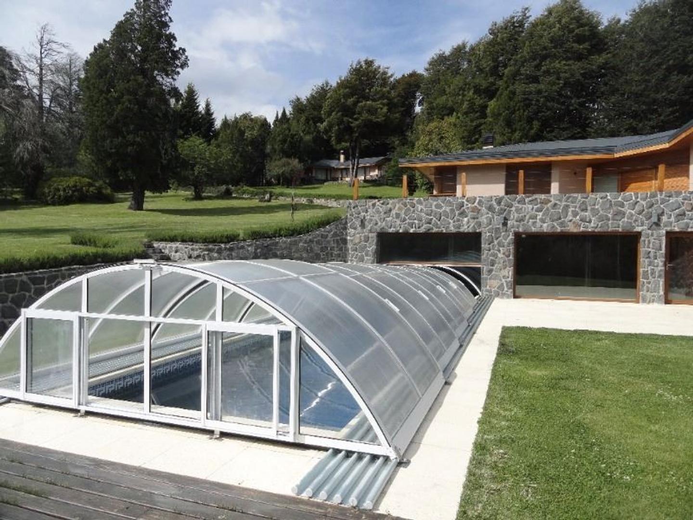 Excelente 2 casas con costa Lago Moreno pileta climatizada y cancha de tennis