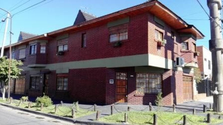 Casa - Venta - Argentina, La Matanza - SARGENTO CABRAL 895