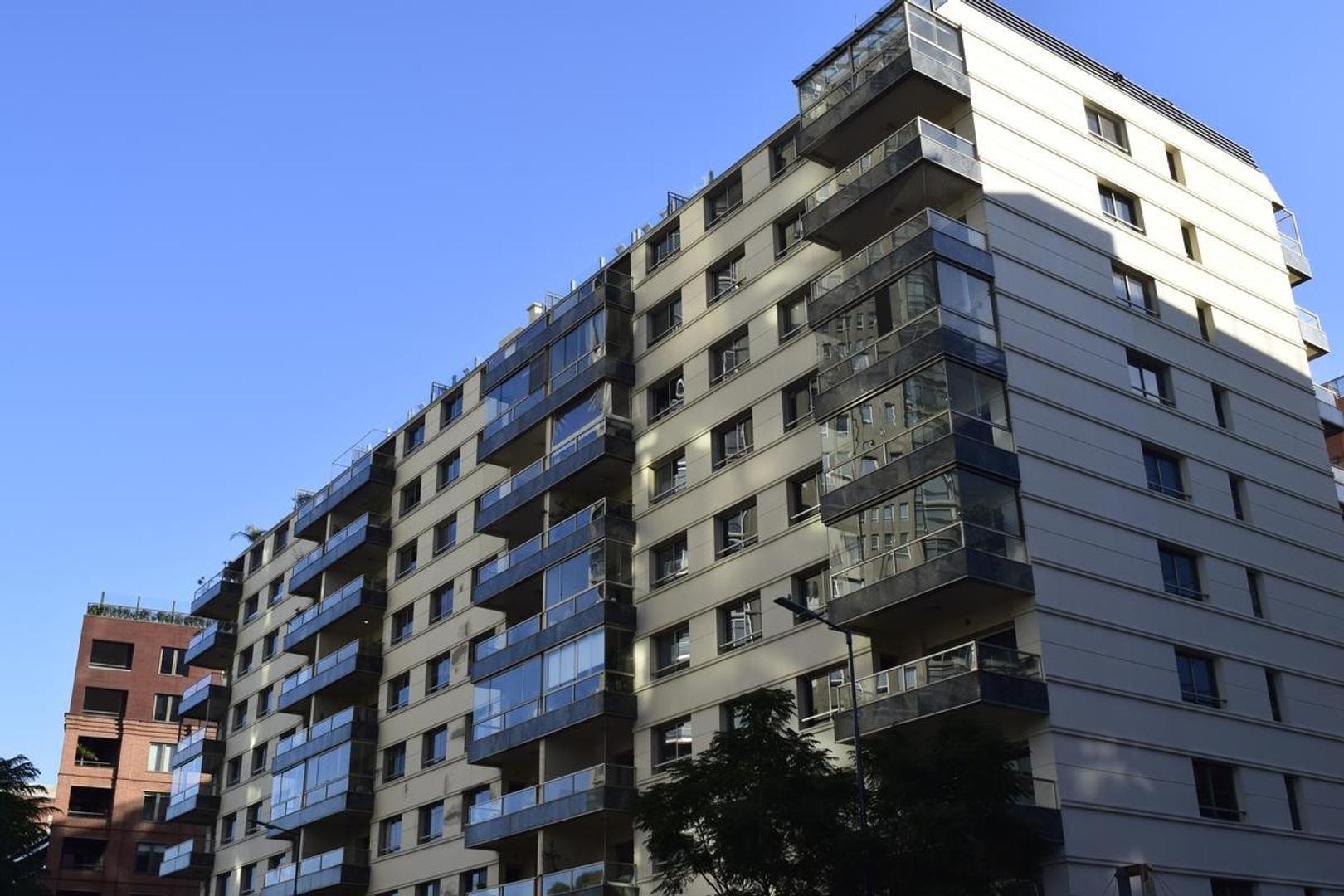VENTA - DEPARTAMENTO 3 COCHERA Y BAULERA - PUERTO MADERO