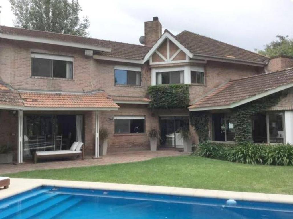 Excelente casa en el Barrio Talar de Pacheco.