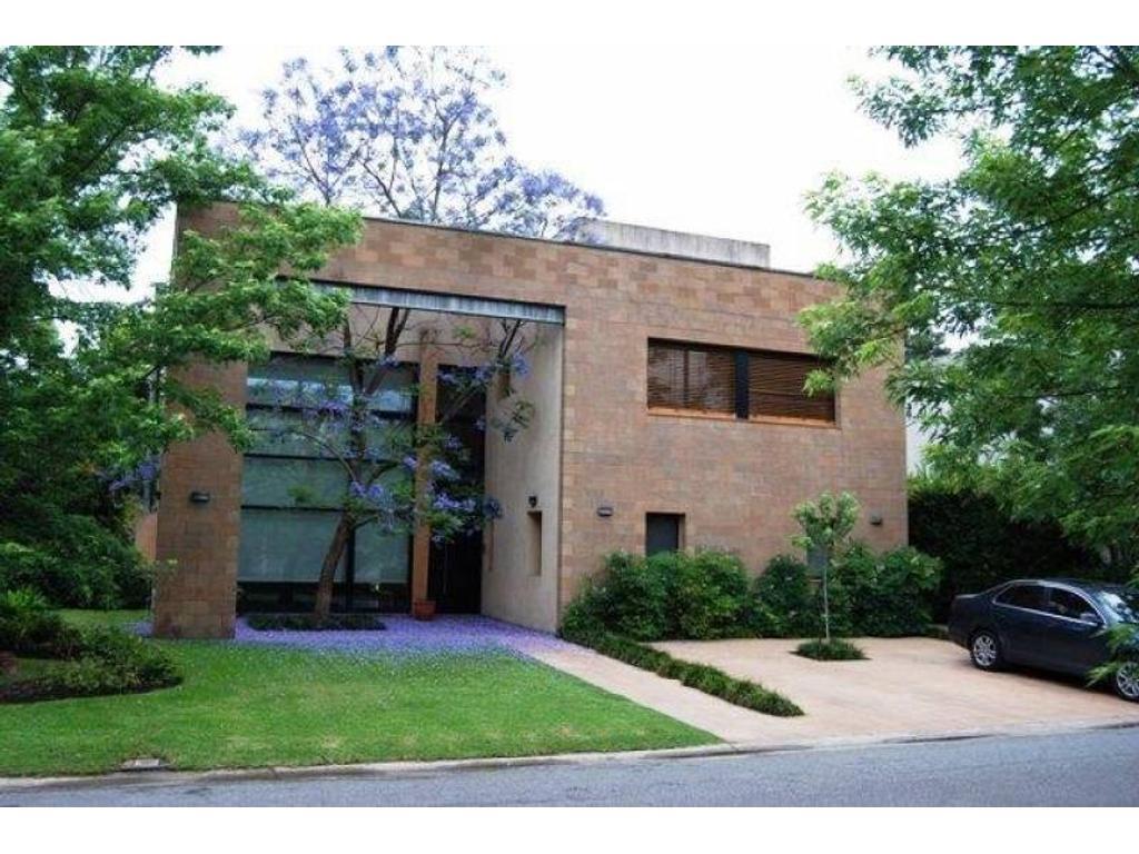 Bº Villa Bertha Casa en venta