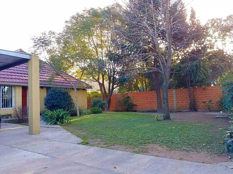 Casa en venta - 4 ambientes - La Reja