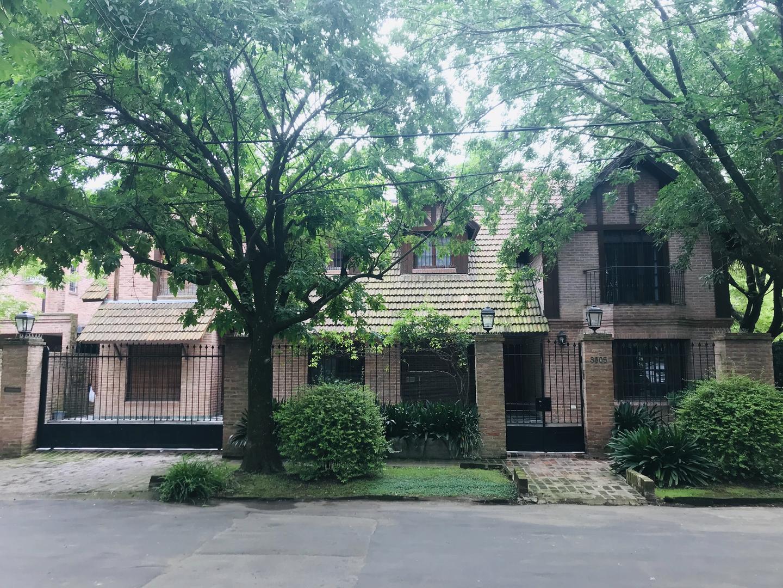 DUEÑO VENDE Casa en la Horqueta - 600 m2 cubiertos - 6 dormitorios  + 2 en dependencia - Excelente estado - Lote de 830 m2