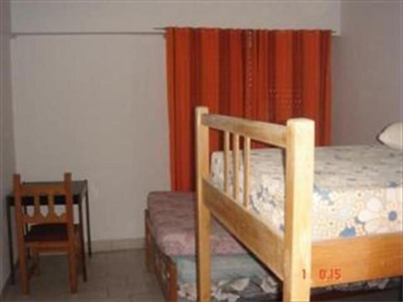 Hotel 64 hab.