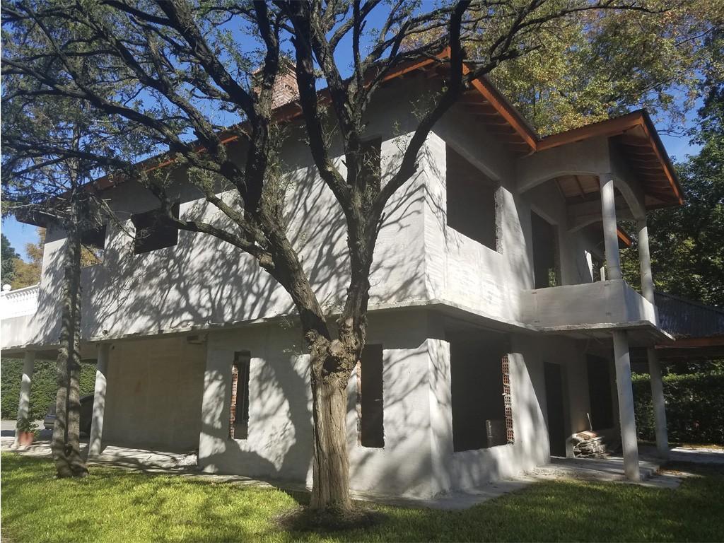 Casa en Venta, B° Los Jazmines, Del Viso. Muy amplia, cercana a Ruta 8