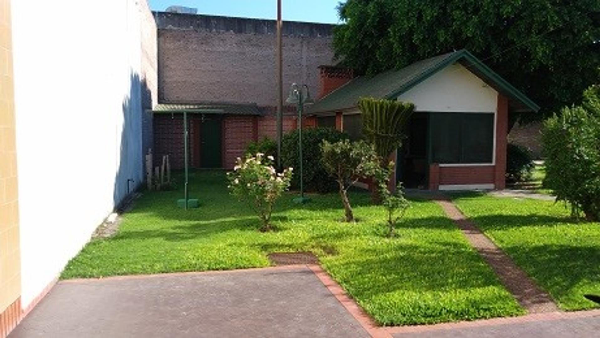 Casa,4 Dormitorios, Piscina, Lote, Quincho, 2 Plantas. Bv.San Diego y Fillipini (VGG)