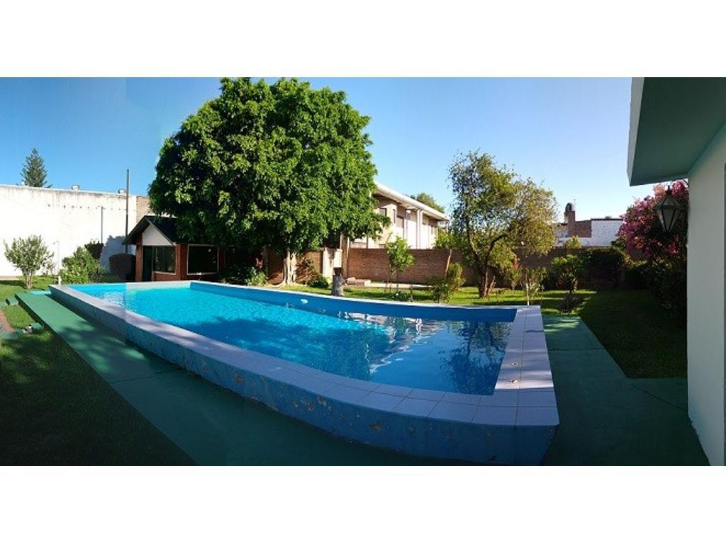 Casa,4 Dormitorios, Piscina, Lote, Quincho, 2 Plantas. Bv.San Diego 1689 (VGG)