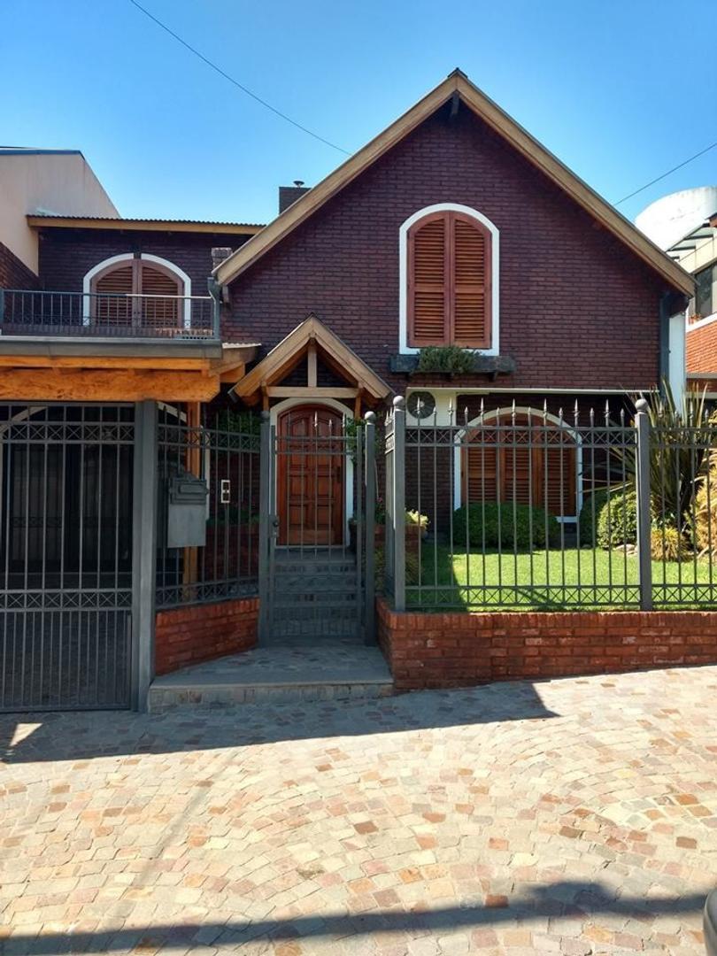 Casa en Venta en Villa Fox