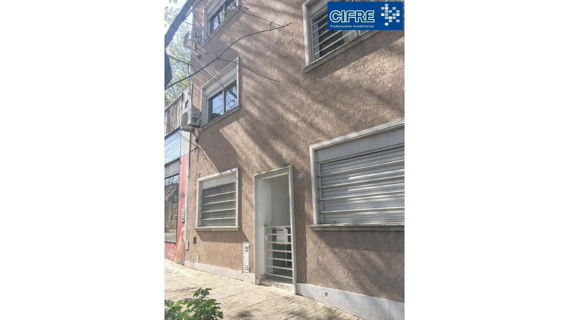 3 ambientes en duplex primer piso por escalera.Terraza propia ( Suc.Urquiza 4521-3333 )