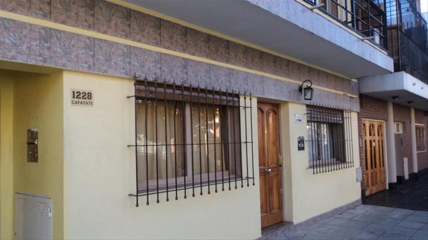 Departamento tipo casa en Venta de 3 ambientes en Capital Federal, Liniers