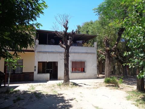 Casa en dos plantas - 3 dormit.- 2 baños -patio y terraza