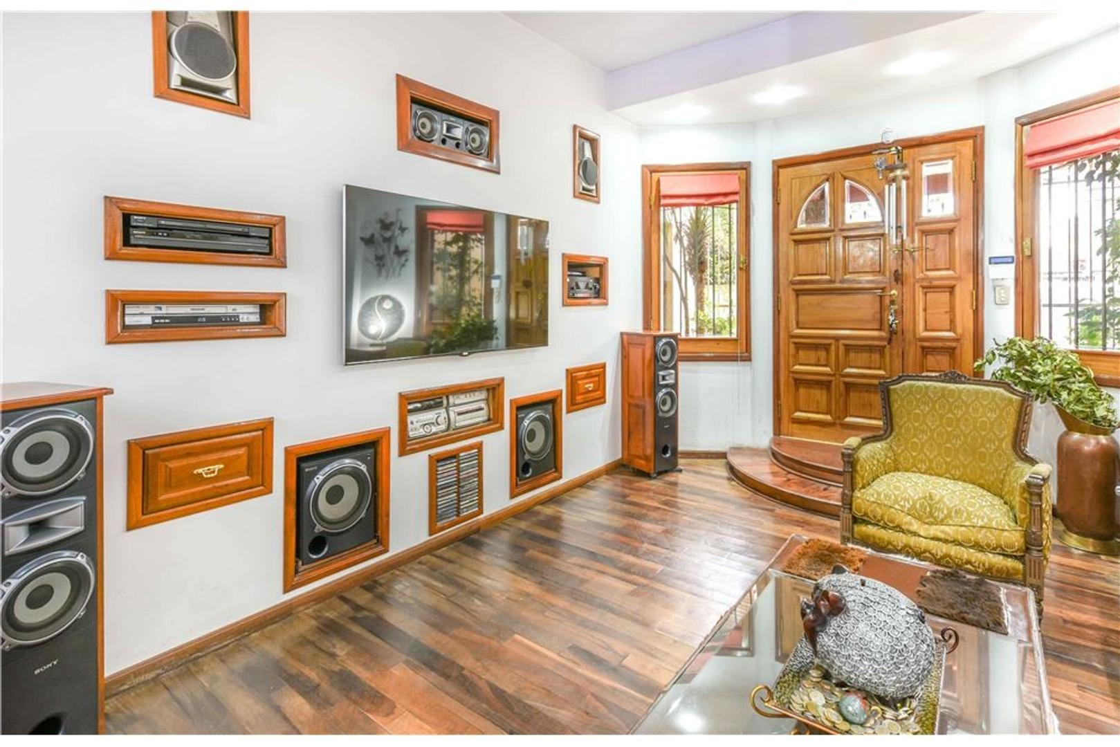 Casa - 182 m² | 3 dormitorios | 39 años
