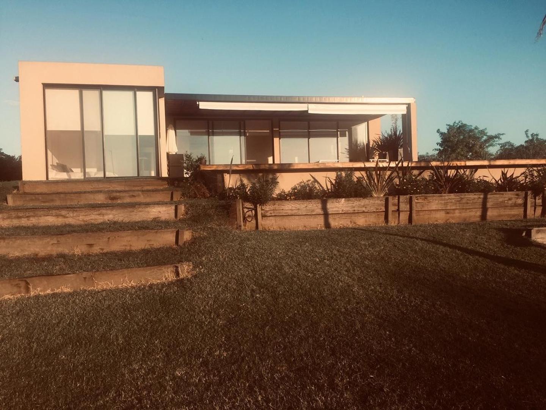 Casa en Venta en Puerto De Escobar - 4 ambientes