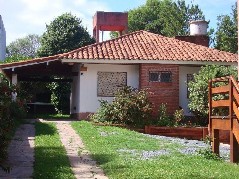 Casa en alquiler por temporada en avenida 4 100 villa gesell buscainmueble - Cambio casa por chalet ...