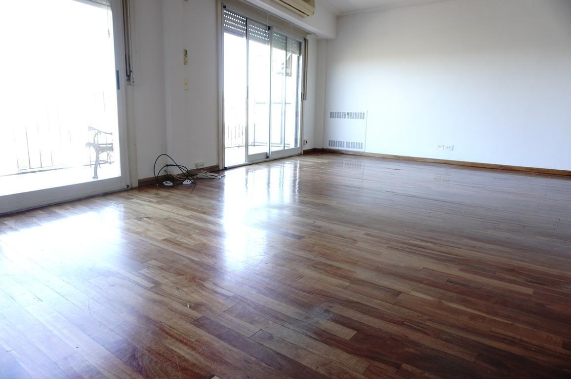 Excelente 3 ambientes. piso 16. muy luminoso