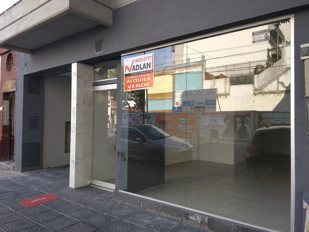 Almagro alquiler local 40 m2 4.50 mts de vidriera a estrenar pintado instalacion electrica nueva