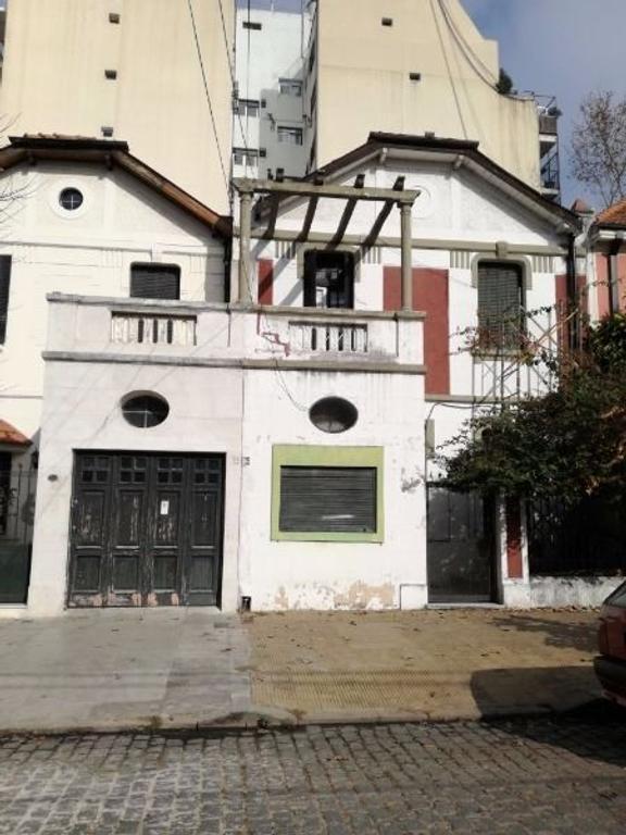 Casa Lote Propio. a Refaccionar 15 Dormitorios  Excelente Ubicación!