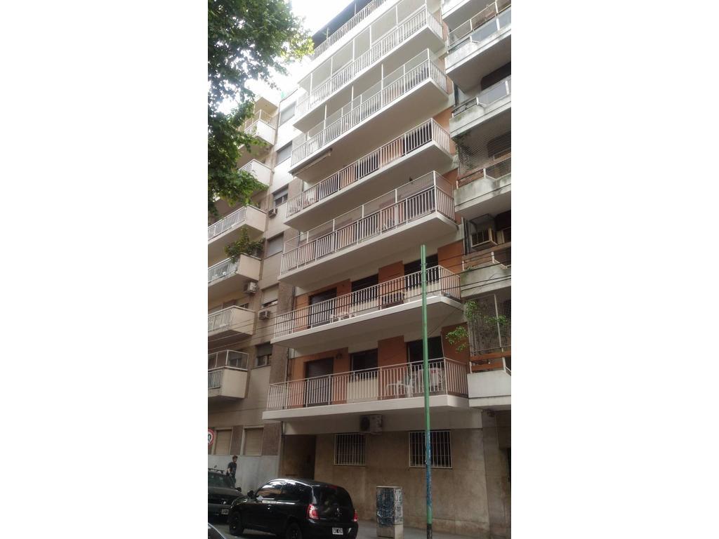 FLORES  Depto.3 amb. venta, amplio balcón terraza. Al frente OPORTUNIDAD