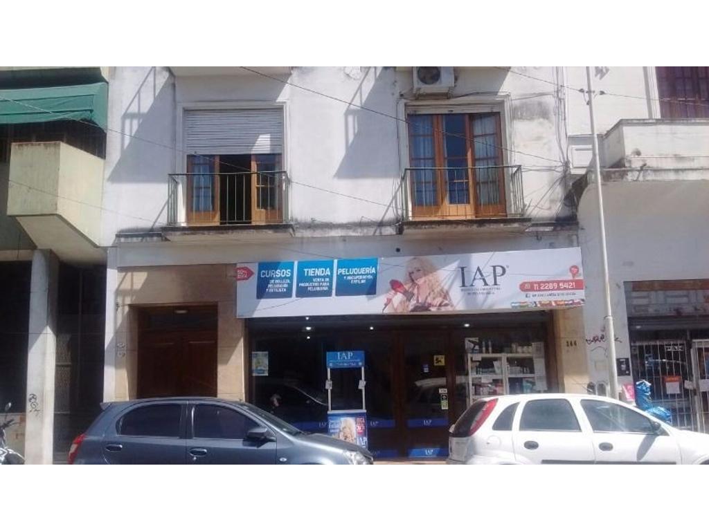 DEPTO. 3 AMBIENTES CON DEPCIAS Y PATIO  TOTAL 88 m2