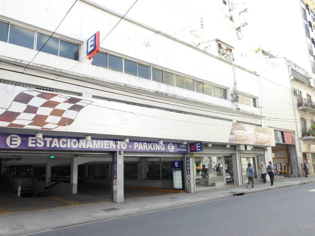 Uruguay 200 - San Nicolas - Garage/estacionamiento