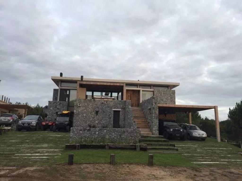 Casa en venta en el barrio Marítimo 1- Costa Esmeralda