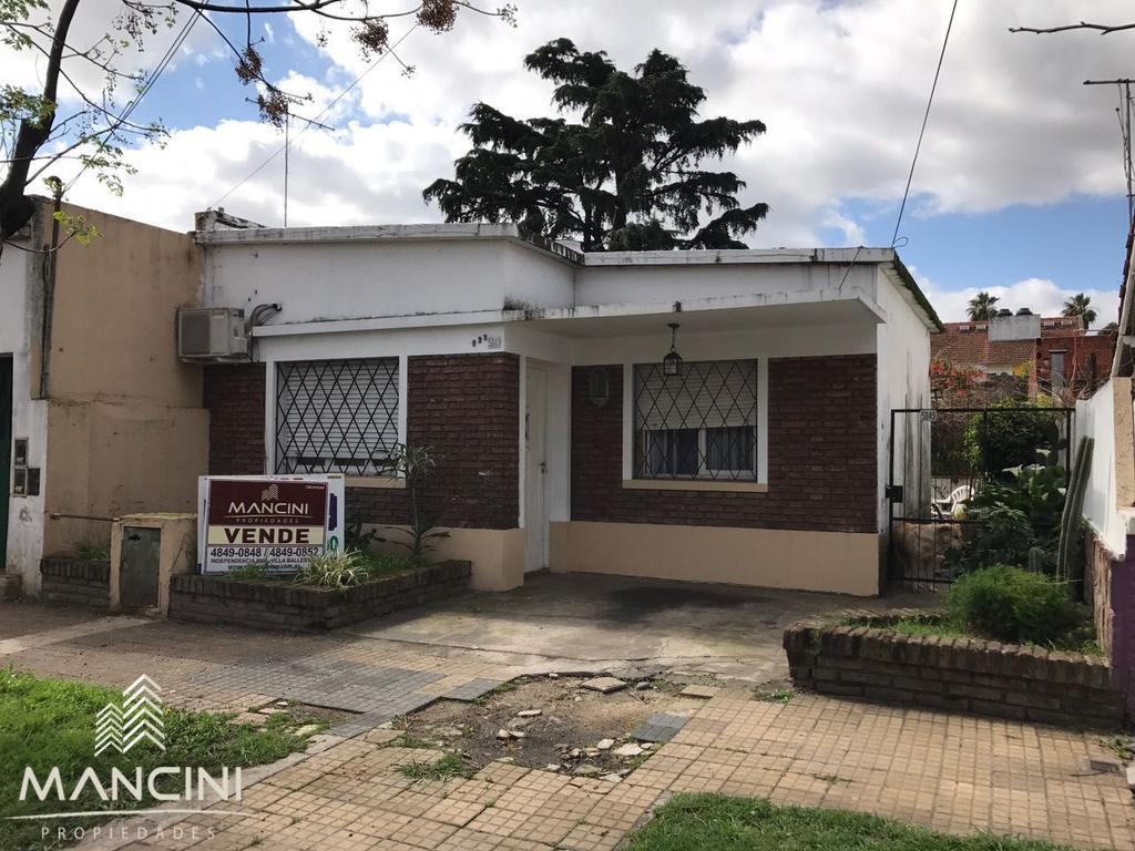 Venta - Villa Ballester - Casa en lote propio 8,66x33,00 - A modernizar