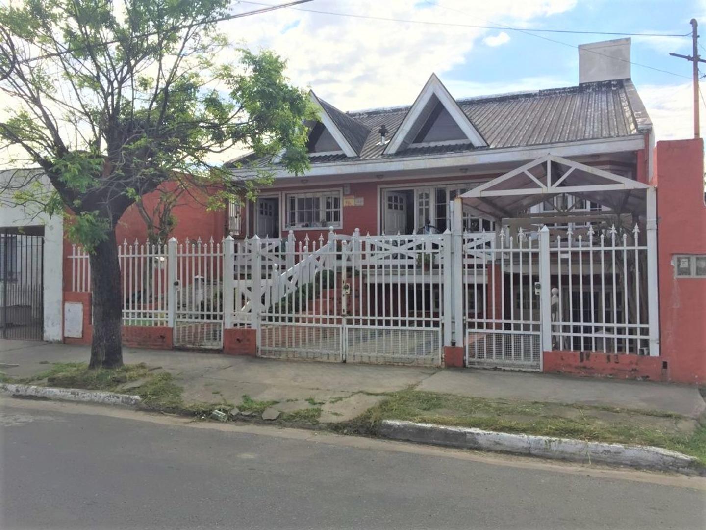 Casa en Venta en Berazategui - 5 ambientes