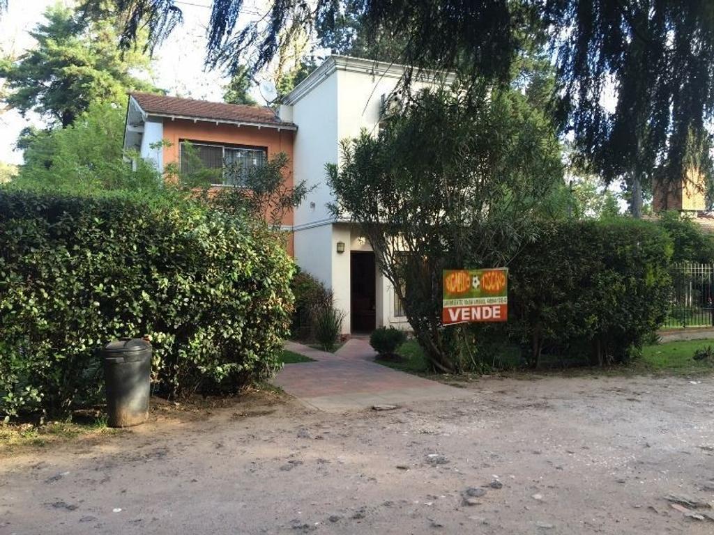 Casa en 2 Plantas Tortuguitas. B° Touring Club