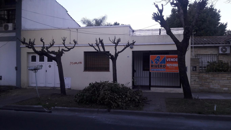 CASA 3 AMBIENTES C/ COCHERA, PATIO Y GALPÓN - EXCELENTE ZONA