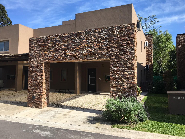 Casa en Venta en La Lonja - 4 ambientes