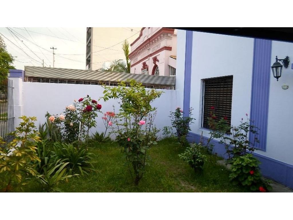 Hermosa Casa APTO CREDITO de 5 amb en 2 plantas con Garaje.Consulte!
