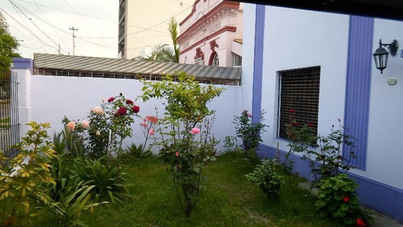 RESERVADA. Hermosa Casa APTO CREDITO de 5 amb en 2 plantas con Garaje.Consulte!