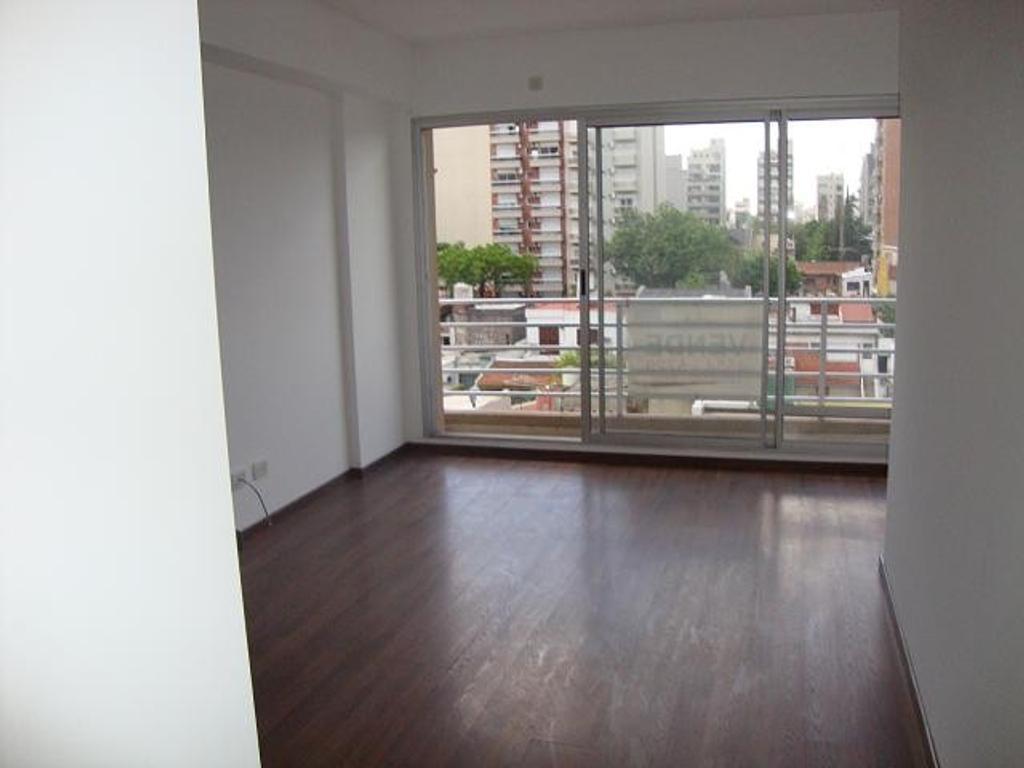 2 ambientes - semi piso - frente y contrafrente -exc estado-cochera fija descubierta-  luminoso