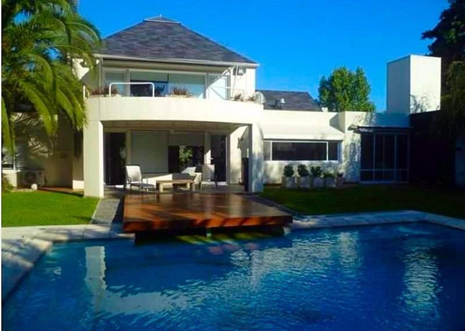 Impecable Casa Moderna en venta San Diego