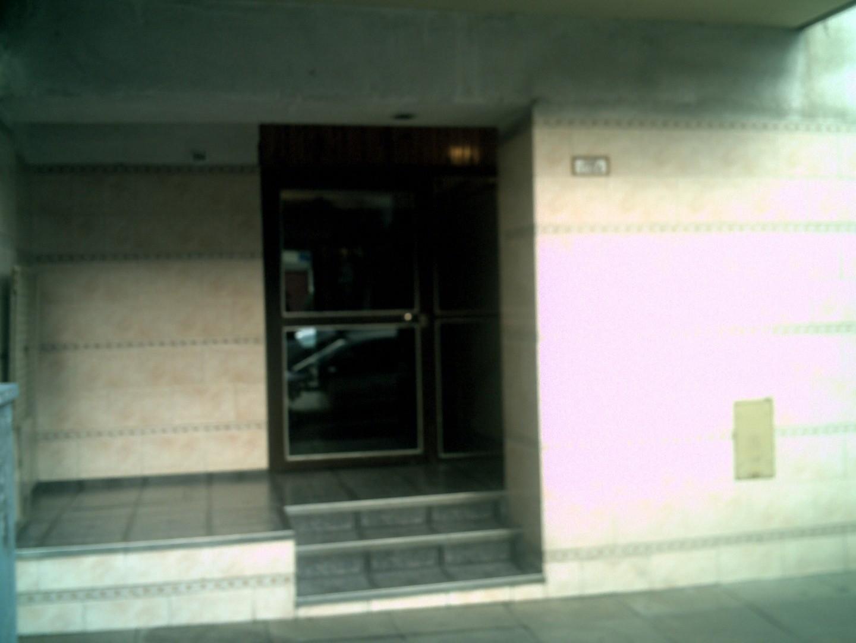 Departamento de tres ambientes en venta en Boedo
