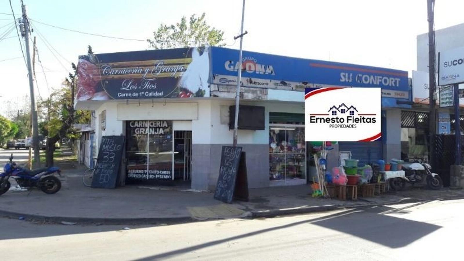Miguel Cane y Segundo Sombra, Barrio los Pinos, Villa Luzuriaga. Propiedad de tres locales