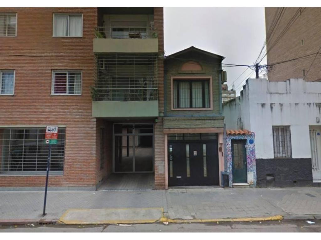 Cochera en PB en el centro de Rosario