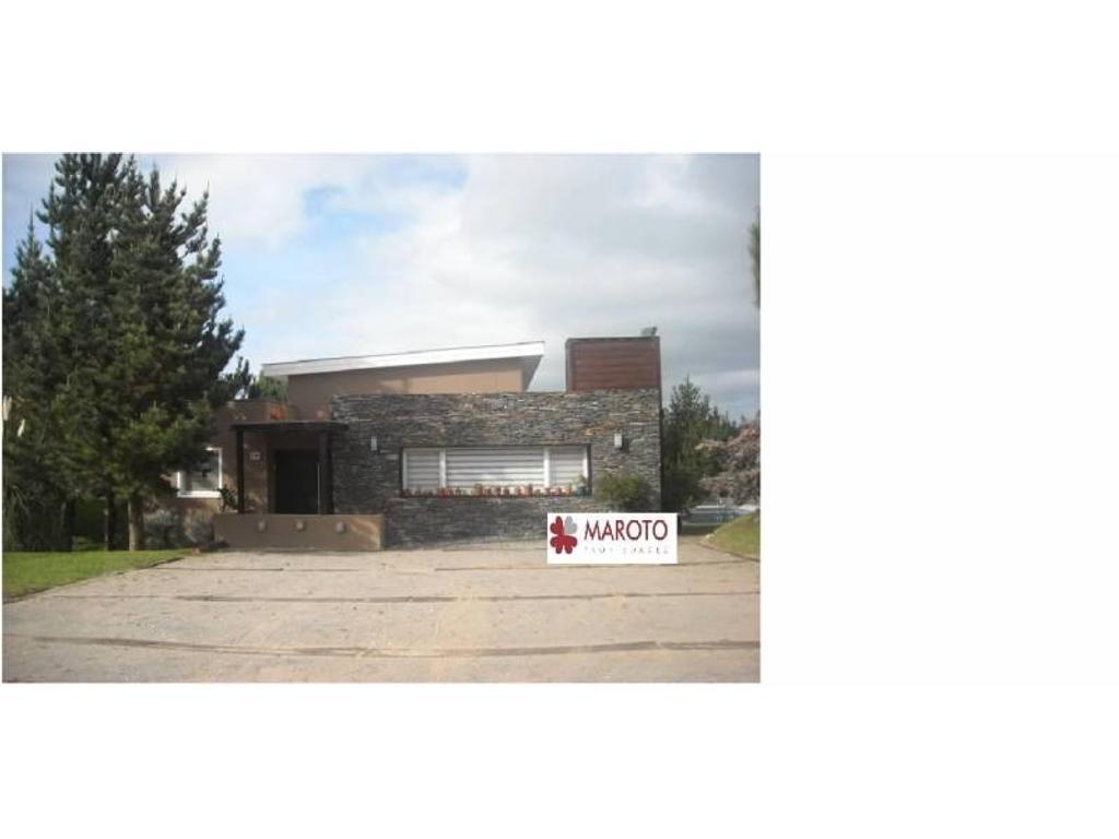 Costa Esmeralda - Casa en venta en barrio Golf 1 - Importante Financiación.