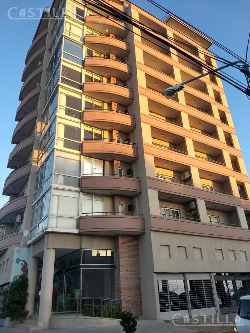 Venta de departamento 2 ambientes en el centro de Tigre. Apto crédito