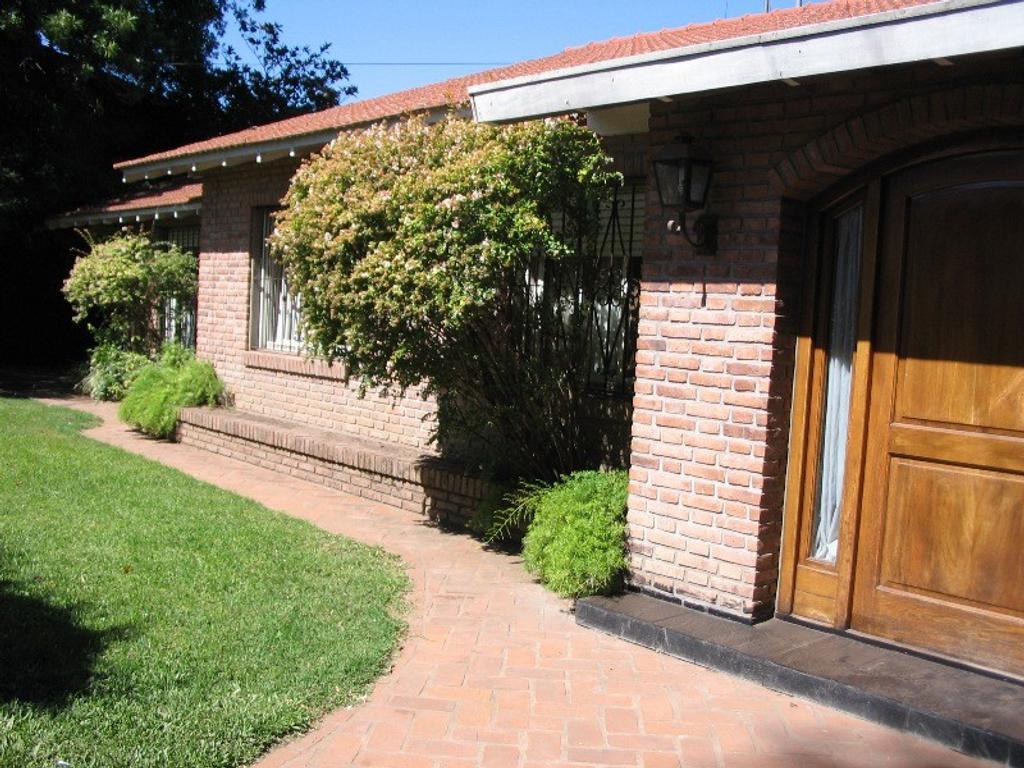 Casa en Venta zona Balbastro, Don Torcuato, Tigre
