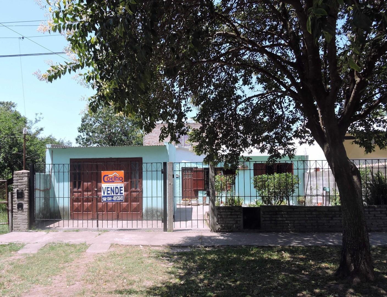 Casa en Venta en Capitan Bermudez - 6 ambientes