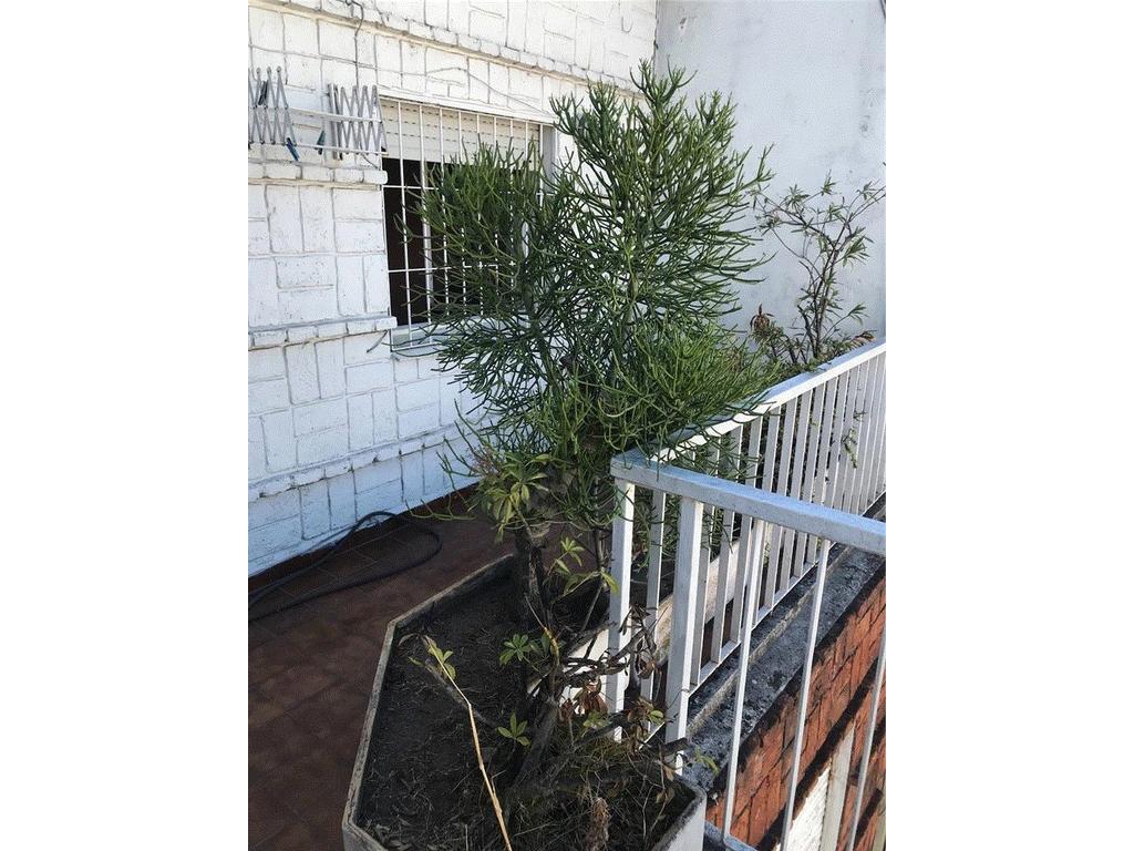 Departamento de 2 ambientes con amplio balcón cubierto y otro aterrazado APTO CREDITO