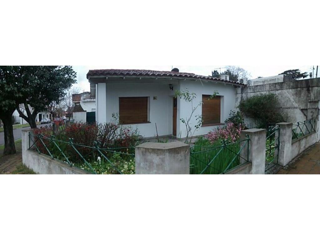 Muy buena propiedad ubicada cerca del Acceso Oeste y Av. Vergara