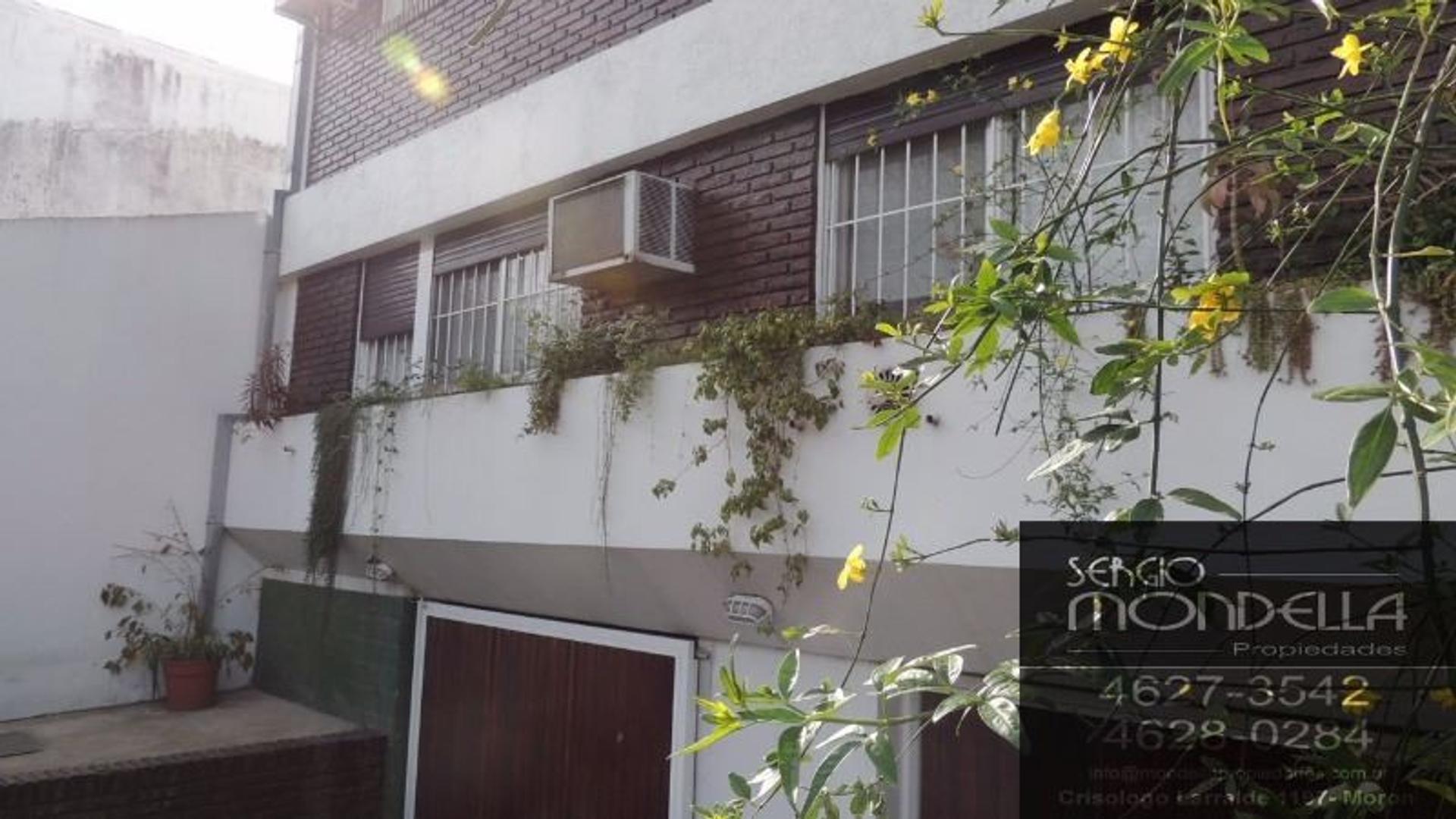 Casa de 5 ambientes en Parque Sayago Castelar