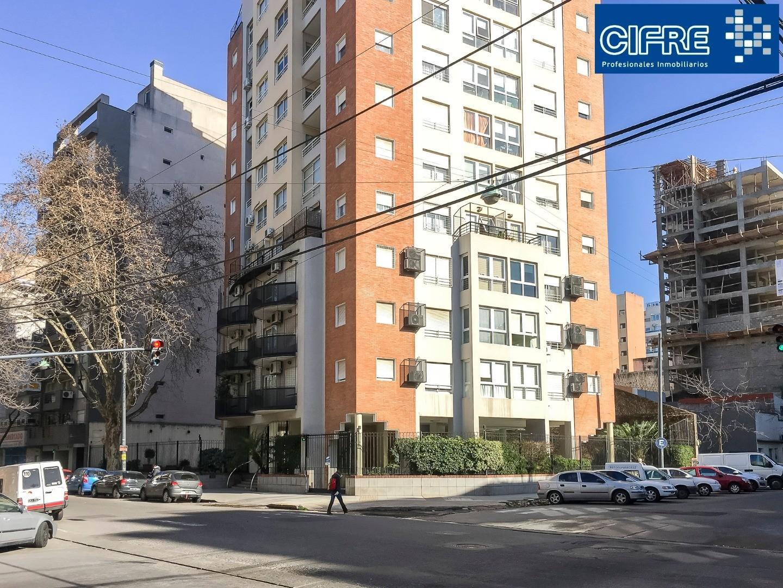 Departamento 3 ambientes semi piso frente balcon atrerrazado cochera fija  Suc Urquiza 4521-3333