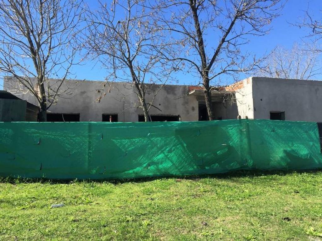 Casa en Venta - U$S 256.000 - San Matias Area 2